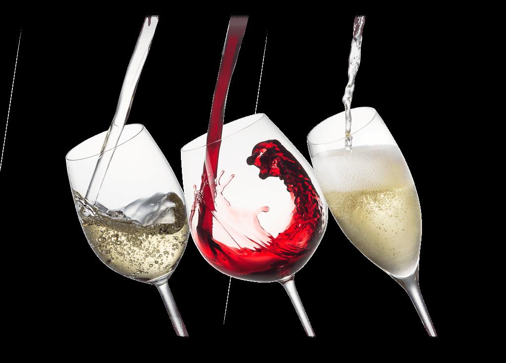 tres copas con vino blanco vinto y espumoso