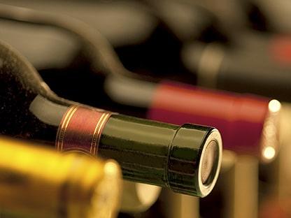Botella de Vino en la presentación del reglamento de la IGP Vino de la Tierra de Castilla y León