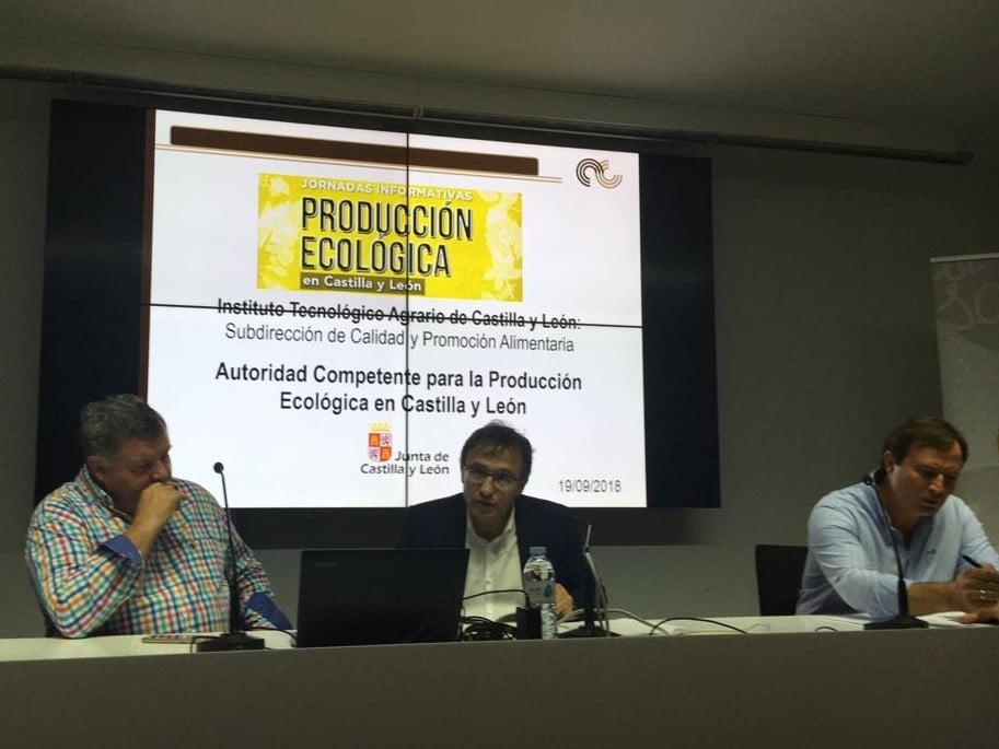 fotografía del acto sobre producción ecológica en Castilla y León en el Instituto Técnológico Agrario